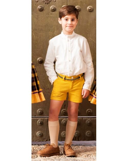conjunto pantalón mostaza y camisa cruda